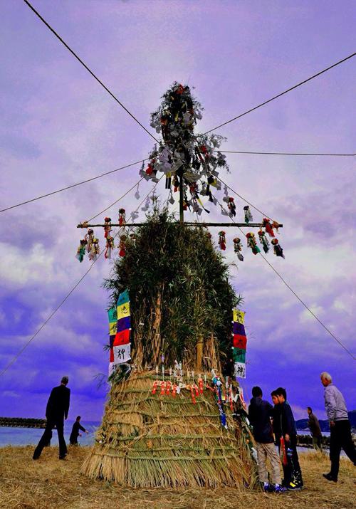 歳徳大明神(とんどさん) nobukazu oonishi(島根県)